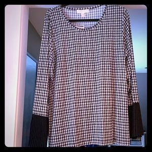 Michael Kors Houndstooth pleated bell sleeves NWT